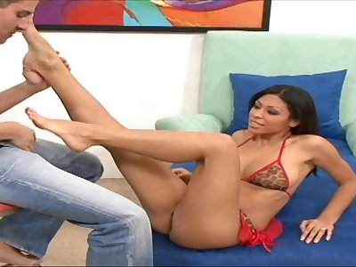 Cassandra Cruz spreads her legs for a friend's hard cock on the bed