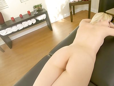 Instead of massage Chloe Cherry gets a hard therapist's penis in the mouth