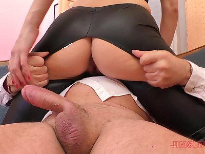 Blonde slut Linda Leclair gets her leather pants ripped before riding