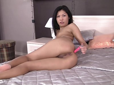 An ordinary day turns to a threesome between Japanese brunette and dudes
