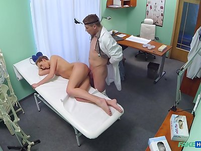 Amateur blonde Jenny Simons comes to get a bust up and gets fucked
