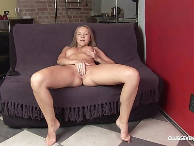 Peggy D is domicile alone and she gets naked to poke will not hear of pussy and ass