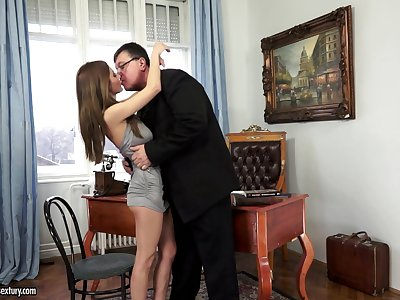 Aged noggin licks and fucks yummy pussy of slutty student Alice Romain